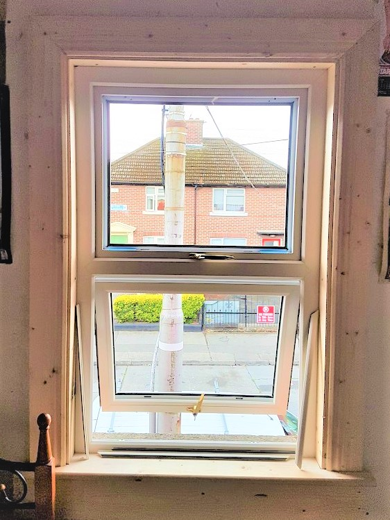 mock-sash-window-with-new-sub-frame-and-architrave